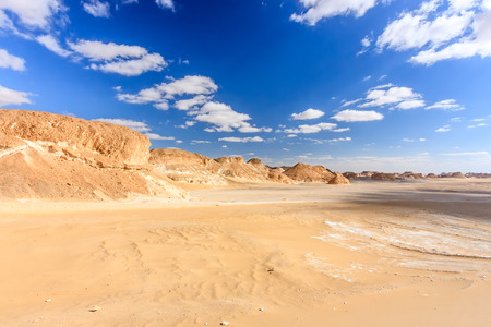 sinai: An empty, hot, sandy desert
