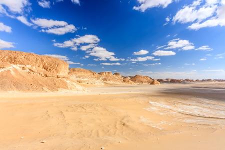 monte sinai: Un, caliente, desierto de arena vacío Foto de archivo