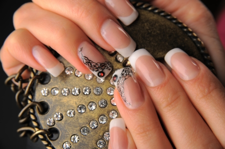 manicures beautiful pattern on nails Stock Photo - 15350516