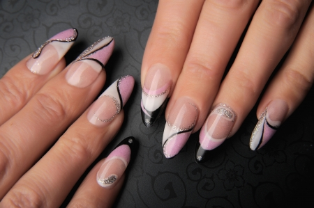 manicures beautiful pattern on nails Stock Photo - 16763912