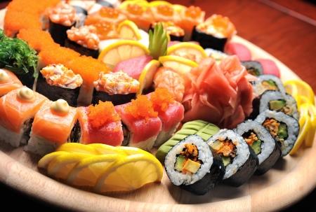 sushi plate: sushi roll