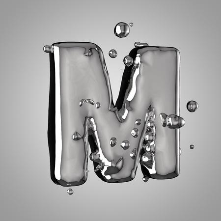 Letra de mercurio 3D M mayúscula. Fuente de metal líquido de renderizado 3D con gotas aisladas sobre fondo claro.