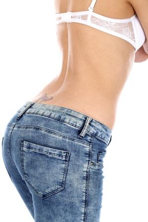 tight jeans: Mod�le autoris�. Femme portant des jeans serr�s