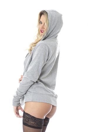 hoody: С разрешением модели. Сексуальная молодая женщина, ношение капюшоном и чулки