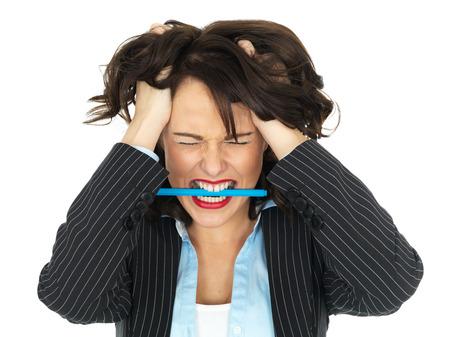 persona enojada: Enojado Frustrado Joven mujer de negocios