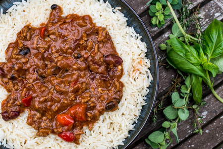 Mexican Style Chilli Con Carne With White Boiled Rice Stok Fotoğraf - 84549491