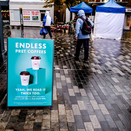 London UK, October 02 2020, Pret A Manger Offering Limitless Coffee To Encourage Customers Back After COVID-19 Lockdown 新聞圖片