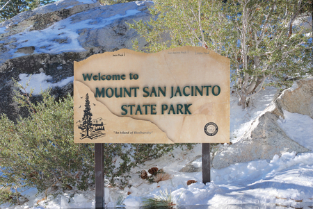 palm springs: Mount San Jacinto State Park sign. This state park is located next to Palm Springs, a popular tourist location in California. Editorial