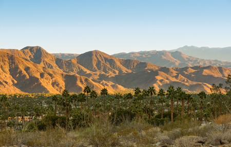 View on the valley with the city of Palm Springs and San Jacinto Mountains in the background. Reklamní fotografie - 82437010