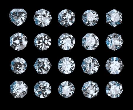 set van kristallen geïsoleerd op zwart Stockfoto