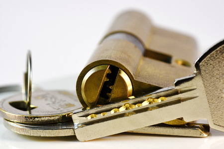 cylinder lock: Close up keys and lock Cylinder