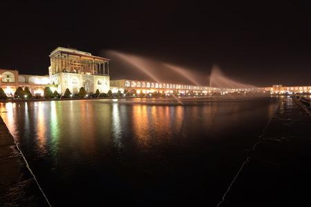 safavid: Naqsh-e Jahan Square yard, Bazaar,Esfahan, Iran