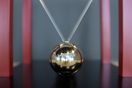 pendulum: 5 Balls Pendulum, Newtons cradle