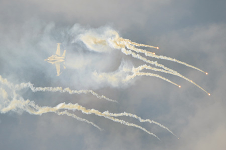 f 18: Fighter aircraft