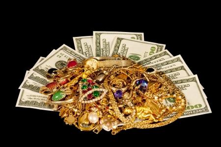 scrap metal: Vendi qui i tuoi vecchi gioielli d'oro per contanti Archivio Fotografico