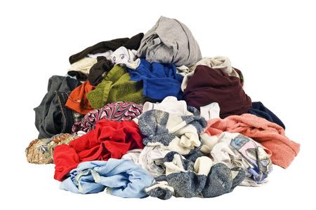씻을 준비가 된 더러운 세탁물의 거대한 더미 스톡 콘텐츠