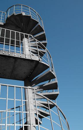 obligaciones: espiral escalera de escape de incendios