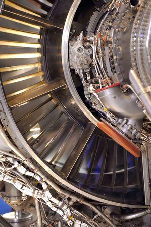 大規模なジェット ・ エンジンの露出された部品