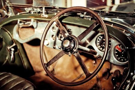 hdr: effet grunge de roue de voiture classique, de pilotage et tableau de bord