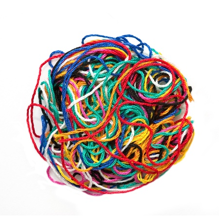 Ball der Multi-Colored woolen Gewinde isoliert auf weiss Standard-Bild - 9104614