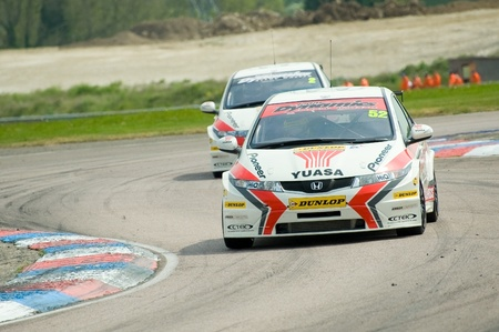 btcc: Thruxton, United Kingdom - May 1, 2011: Gordon Shedden heading for victory in race one of the British Touring Car Championship meeting at Thruxton, UK