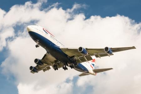 boeing 747: Londra, aeroporto di Heathrow - 30 ottobre 2012: British Airways Boeing 747 sul metodo di atterraggio a Londra - Heathrow, Regno Unito, il terzo aeroporto pi� trafficato al mondo.