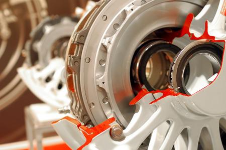 航空機車輪およびブレーキ アセンブリ 2 次元断面のクローズ アップ 写真素材
