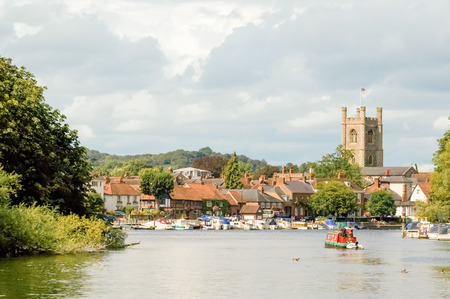 picturesque henleyonthames in england 스톡 콘텐츠