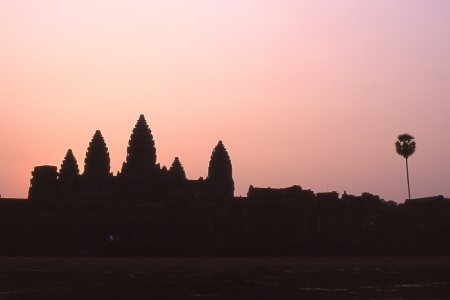 itinerant: Angkor Wat in the morning glow Stock Photo