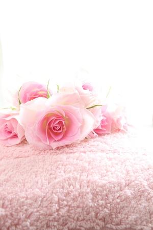 knack: Towel and rose