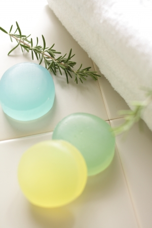 en suite: Herbal soap three