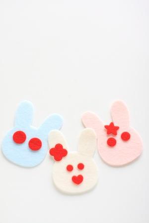three animals: Tre animali famiglia di coniglio