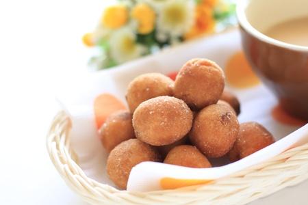 stowing: Handmade donut ball