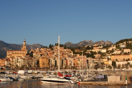 menton: Yacht Harbor and the city of Menton old town Stock Photo