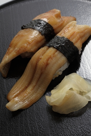 lacquer ware: Conger eel sushi