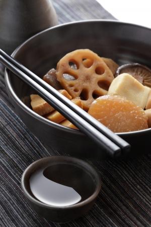 dikon: Verduras Olla y sake caliente Foto de archivo