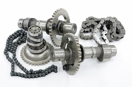 Cam chain and cam shaft photo