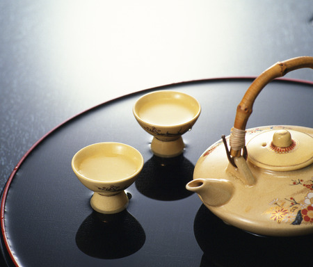 things that go together: Sake pot and cups