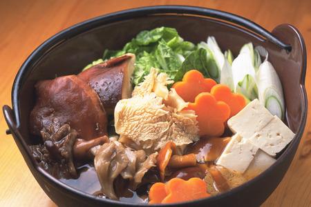 carnes y verduras: Estofado de carne y verduras frescas