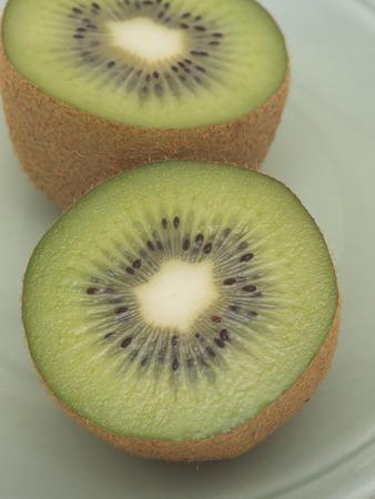 kiwi fruta: Kiwi en rodajas Foto de archivo