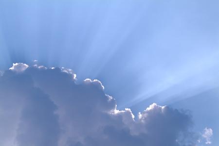 soft focus: Las nubes y rayos de sol en el cielo, enfoque suave Foto de archivo