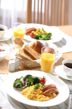 scrambled eggs: Desayuno (huevos revueltos) Foto de archivo