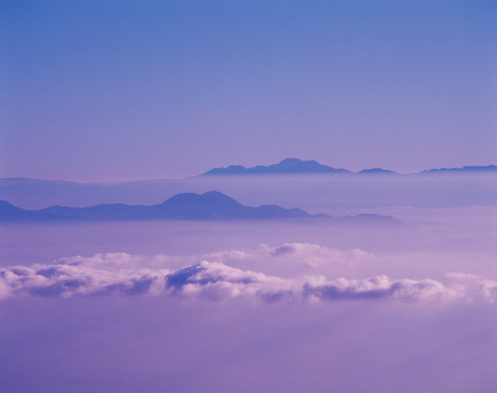 mountain ranges: Sea of Clouds and Mountain Ranges