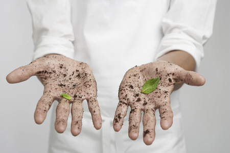 dirty: Person with dirty hands and mint leaves