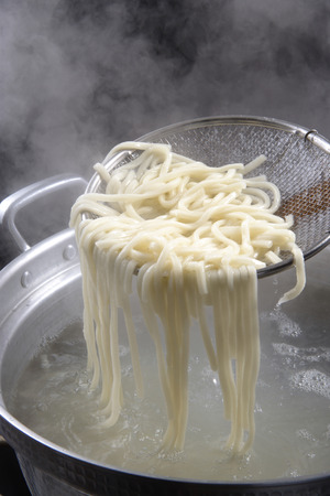boiling: Boiling noodles