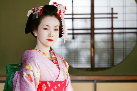 maiko: Maiko girl in Tatami Room