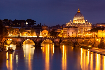 Night view at St. Peter's cathedral in Rome, Italy Reklamní fotografie