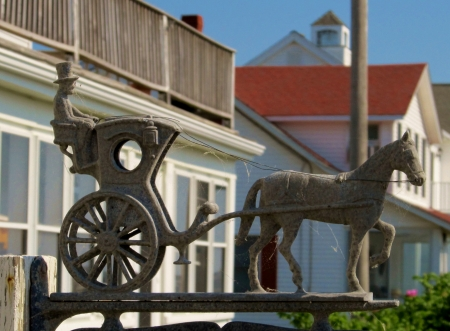 amish buggy: Horse and carriage mailbox