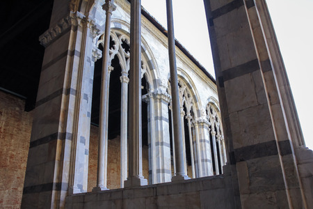 campo dei miracoli: Pisa  Camposanto Very beautiful Gothic windows with traceries Stock Photo