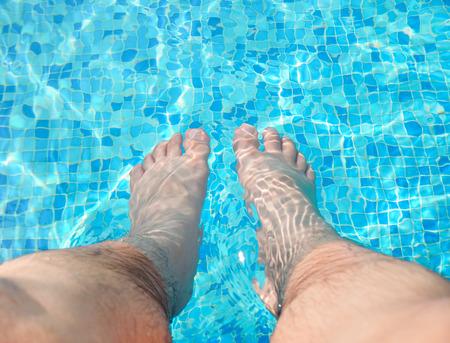 soak: Foot soak in swimming pool